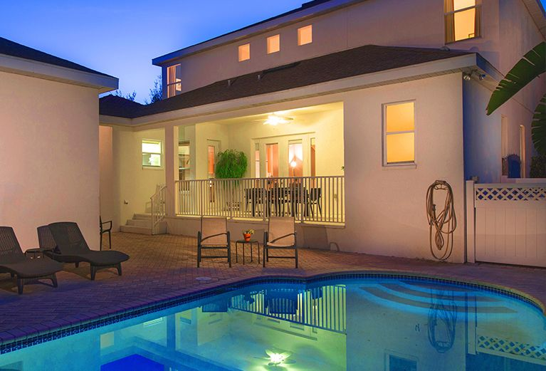 5 Bed Pool Homes